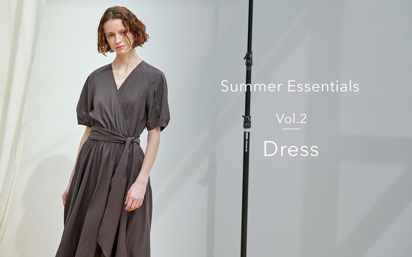 初夏を華やかに彩る、洗練ドレス